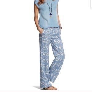 Chico's Ultimate Fit Linen IKAT blue/white pants